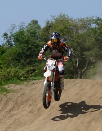 photo of Steve Wilson #131 in action - Kayu Enduro and Motorcross team