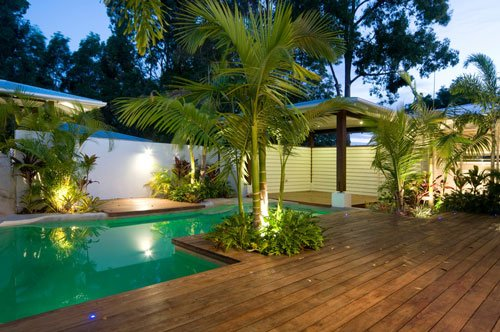 2018-02-13-kayu-intl-siap-prefinished-dark-red-meranti-mahogany-pool-deck-500x332px.jpg