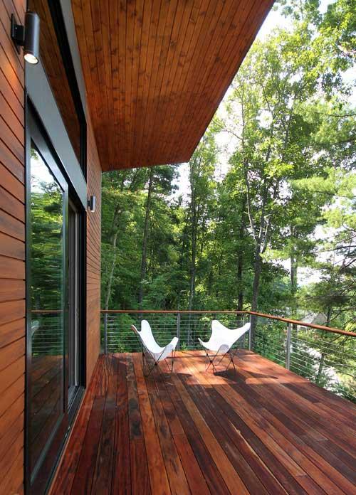 2018-02-14-kayu-intl-tigerwood-contemporary-deck-vertical-woods-500x696px-mq.jpg