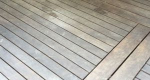 PageLines-2015-11-04-kayu-hardwood-deck-maintenance-example-smith-family-before-maintenance-300x176px.jpg